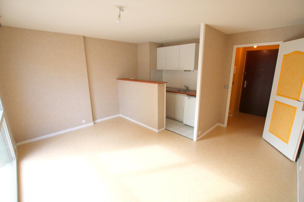 Appartement à louer 1 23.54m2 à Le Havre vignette-1