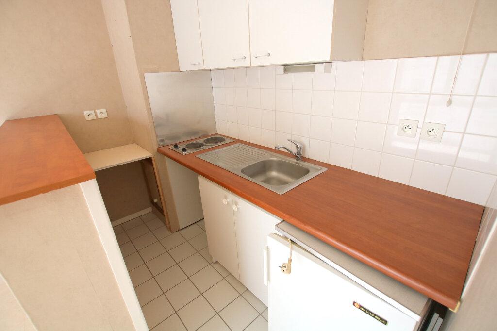 Appartement à louer 1 23.54m2 à Le Havre vignette-3