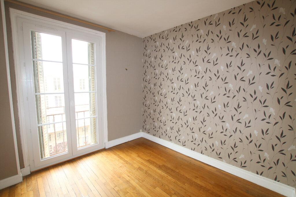 Appartement à louer 3 65.76m2 à Le Havre vignette-3