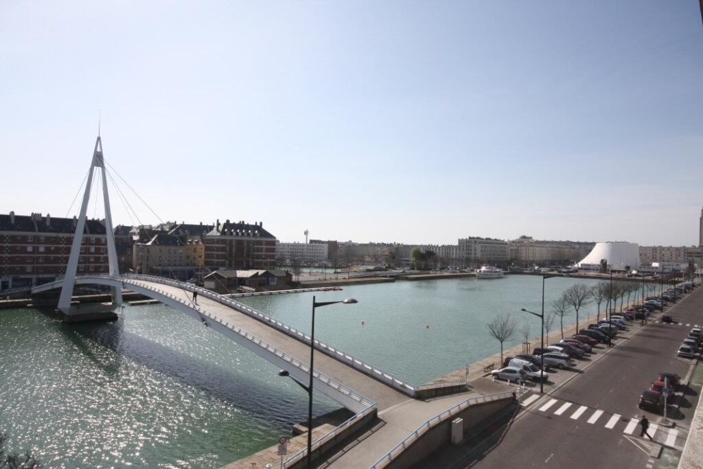Appartement à louer 4 120.65m2 à Le Havre vignette-1