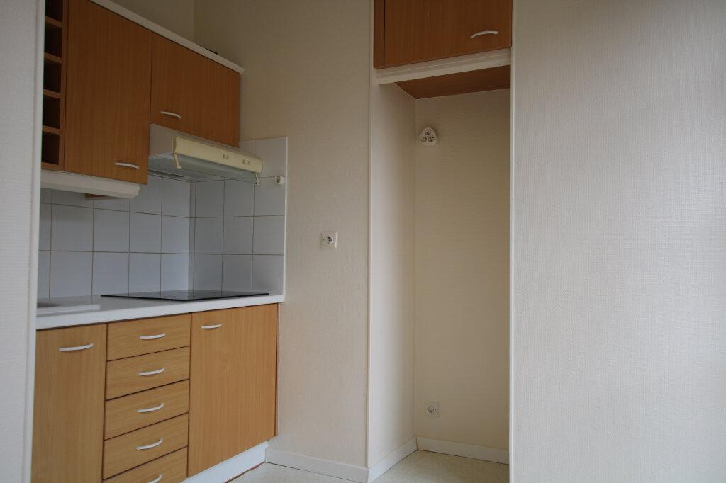 Appartement à louer 2 40.92m2 à Le Havre vignette-3