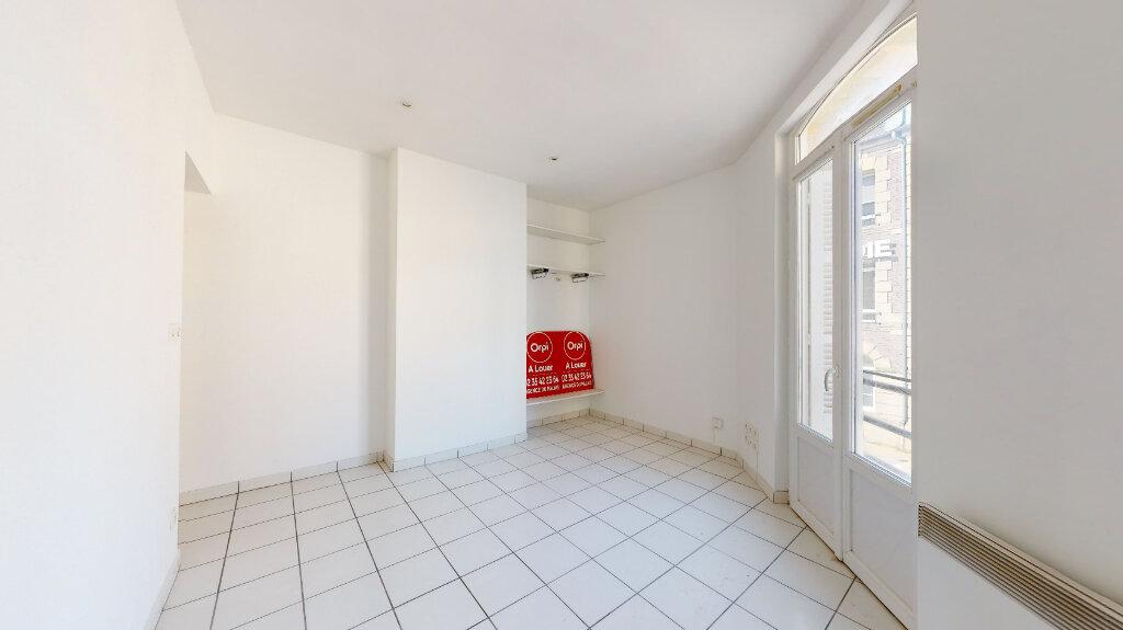 Appartement à louer 1 22.6m2 à Le Havre vignette-1