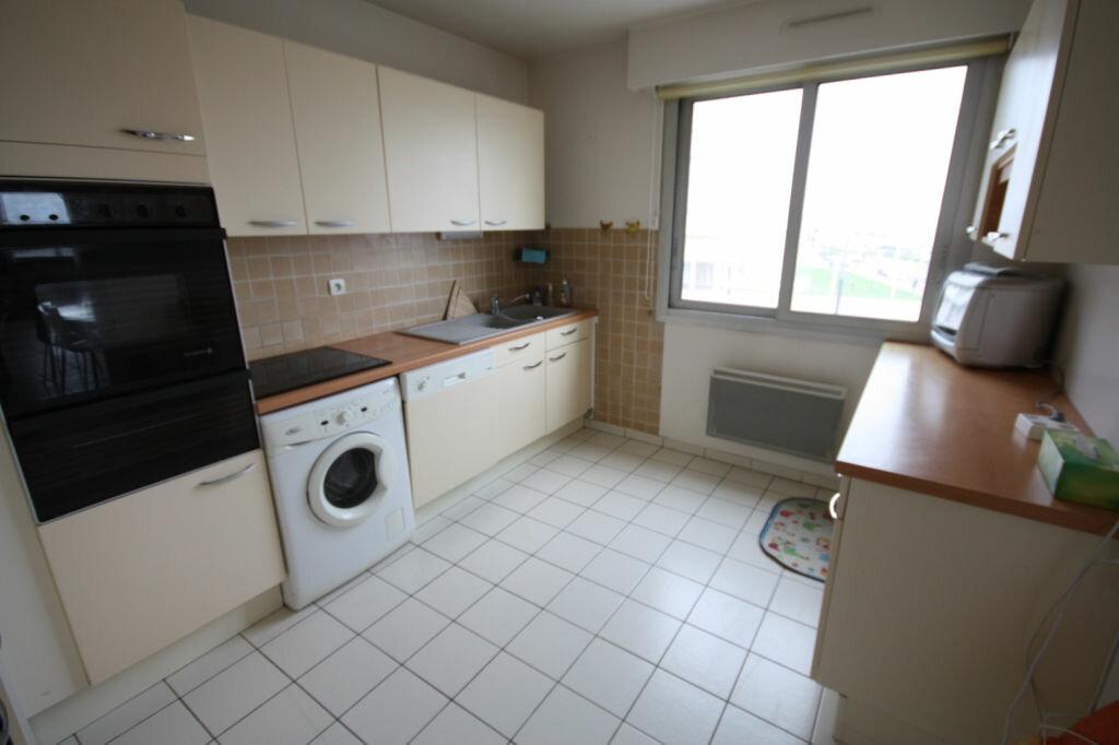 Appartement à louer 6 118.74m2 à Le Havre vignette-3