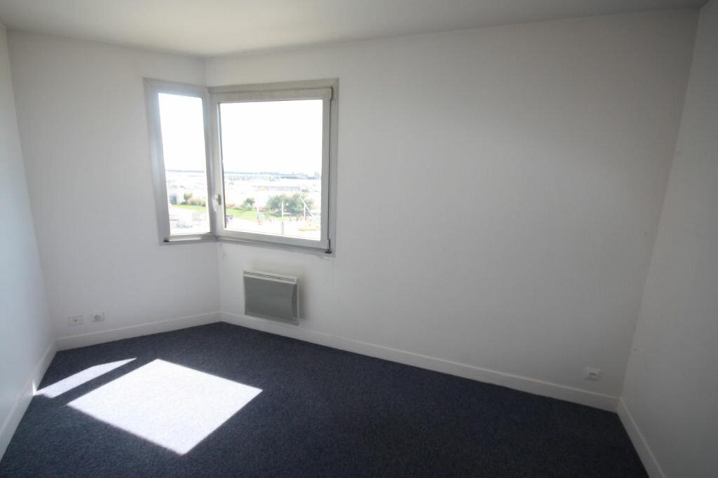 Appartement à louer 6 118.74m2 à Le Havre vignette-4