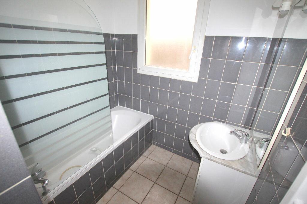 Appartement à louer 3 54.77m2 à Le Havre vignette-6