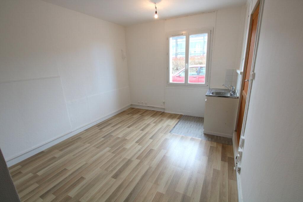 Appartement à louer 1 16.17m2 à Le Havre vignette-3