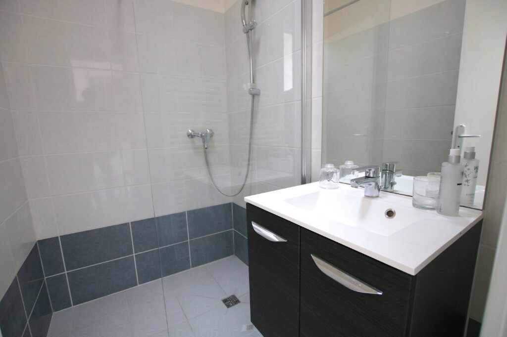 Appartement à louer 3 73.42m2 à Le Havre vignette-4