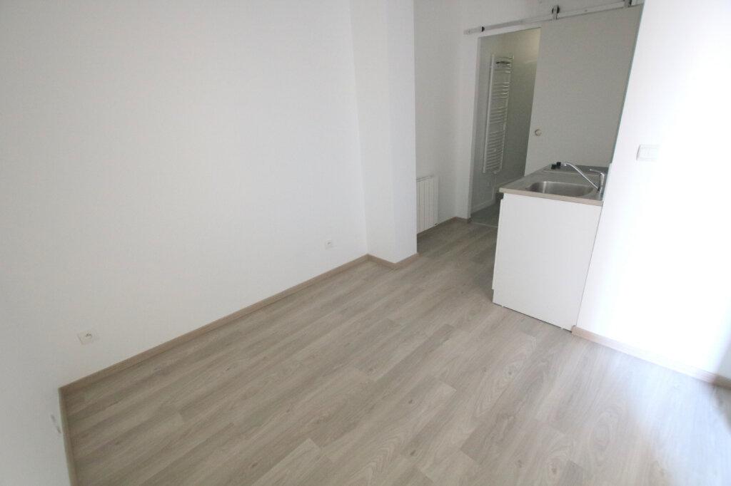 Appartement à louer 1 13m2 à Le Havre vignette-1