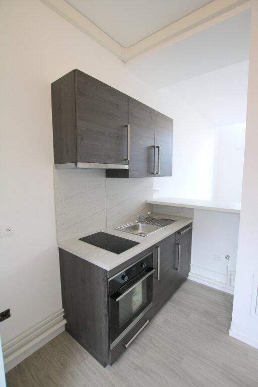 Appartement à louer 3 56.13m2 à Le Havre vignette-1