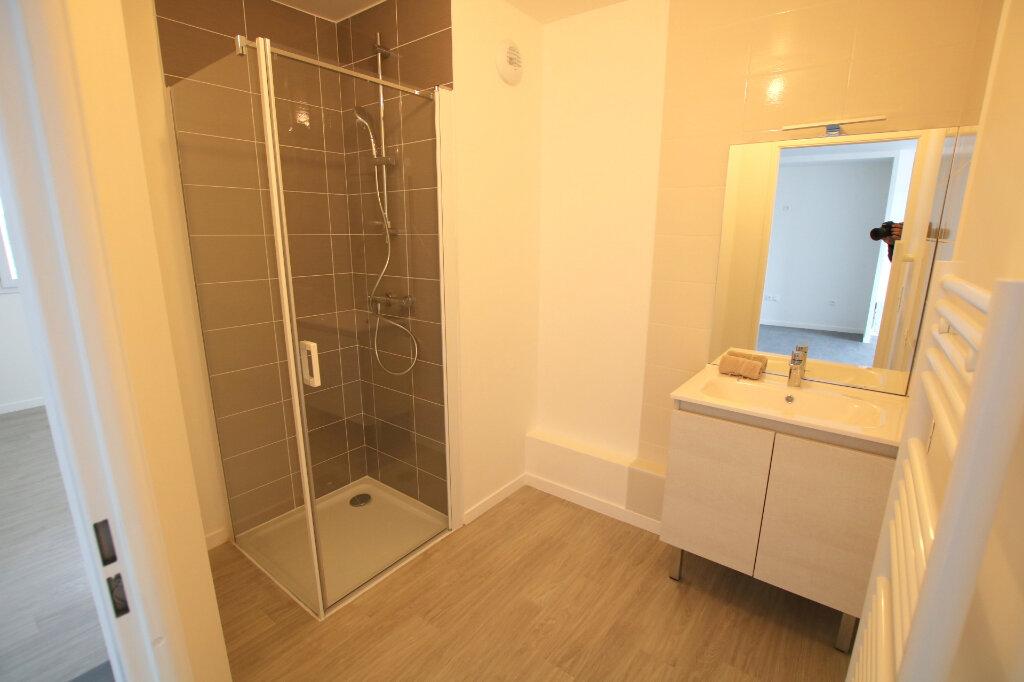Appartement à louer 3 56.13m2 à Le Havre vignette-9