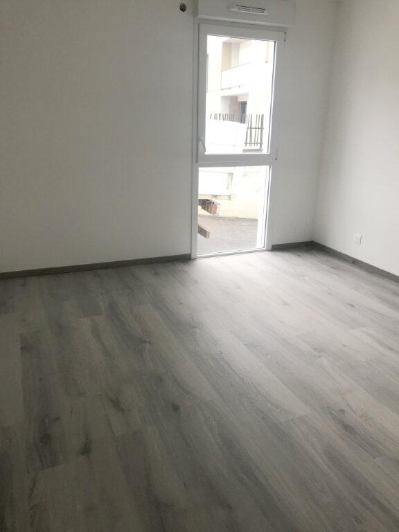 Appartement à louer 3 64.72m2 à Le Havre vignette-3