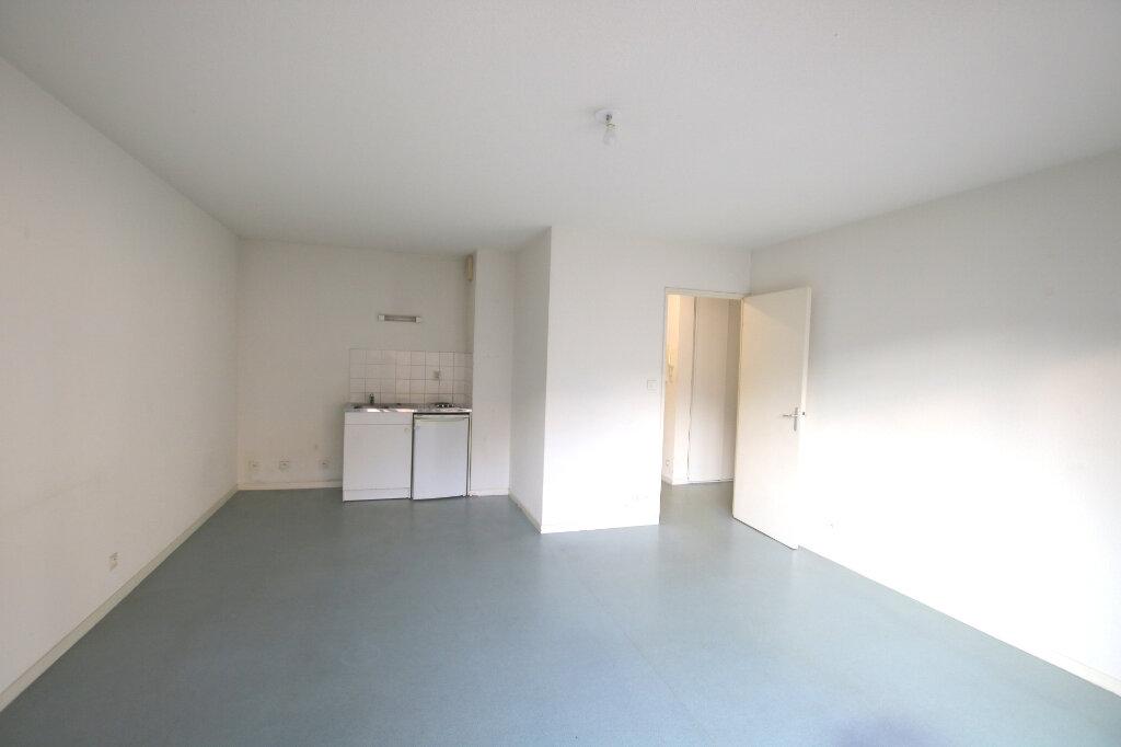 Appartement à louer 2 41.05m2 à Le Havre vignette-2