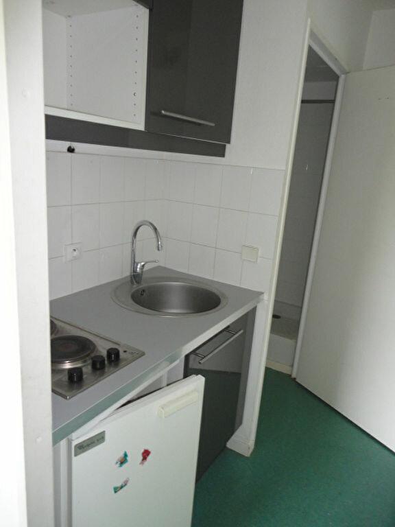 Appartement à louer 1 15m2 à Le Havre vignette-5