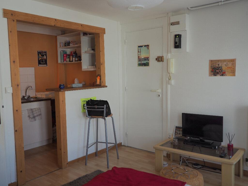 Appartement à louer 1 18.42m2 à Le Havre vignette-1
