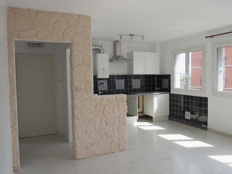 Appartement à louer 4 65.7m2 à Le Havre vignette-2