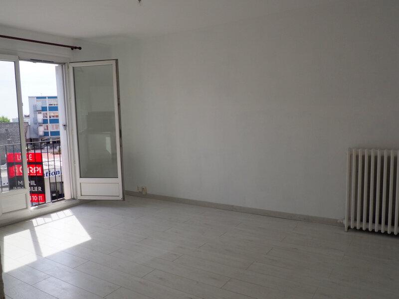 Appartement à louer 4 65.7m2 à Le Havre vignette-3
