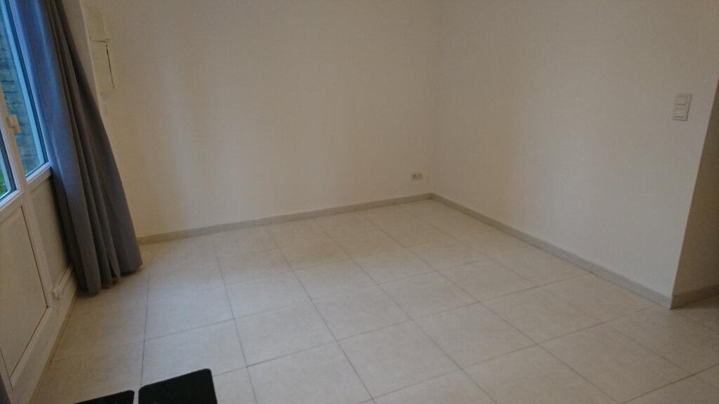 Appartement à louer 2 39.9m2 à Montivilliers vignette-3