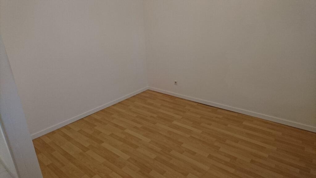 Appartement à louer 2 39.9m2 à Montivilliers vignette-4