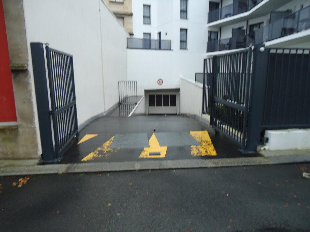 Stationnement à louer 0 18m2 à Le Havre vignette-3