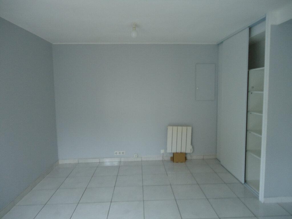 Appartement à louer 1 30m2 à Le Havre vignette-2