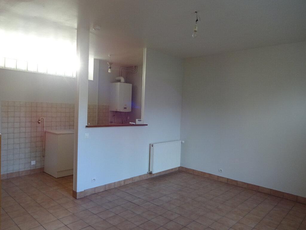 Maison à louer 3 70m2 à Cagny vignette-3