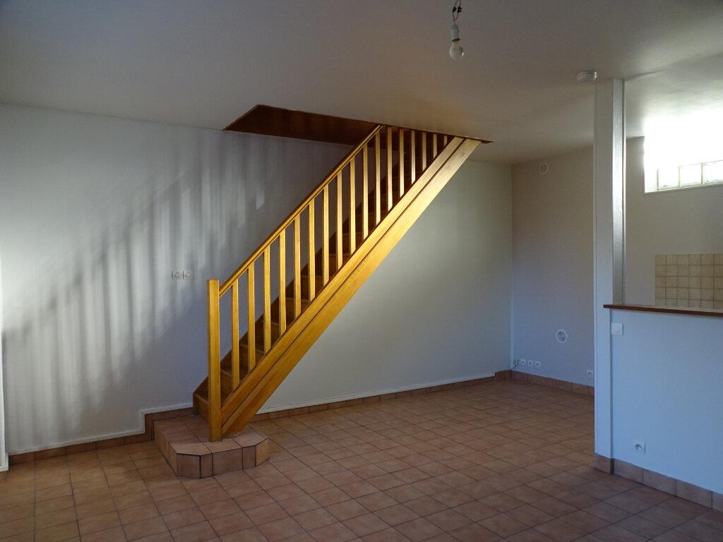 Maison à louer 3 70m2 à Cagny vignette-4