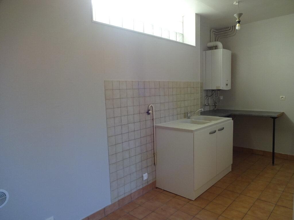 Maison à louer 3 70m2 à Cagny vignette-6