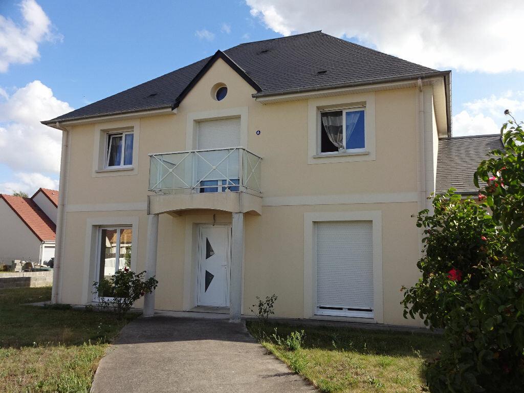 Maison à vendre 6 150m2 à Frénouville vignette-1