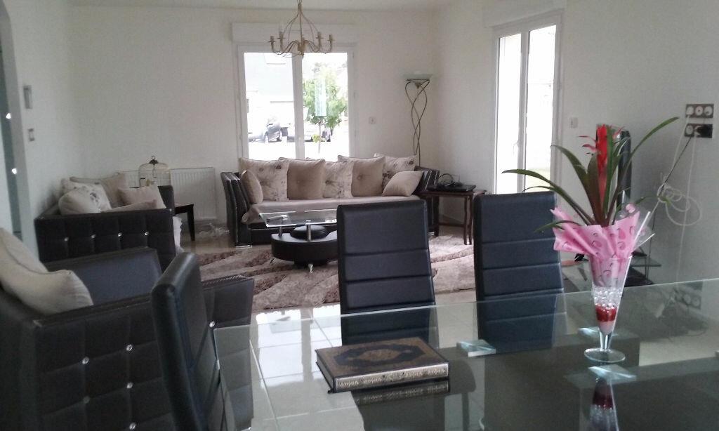 Maison à vendre 6 150m2 à Frénouville vignette-2