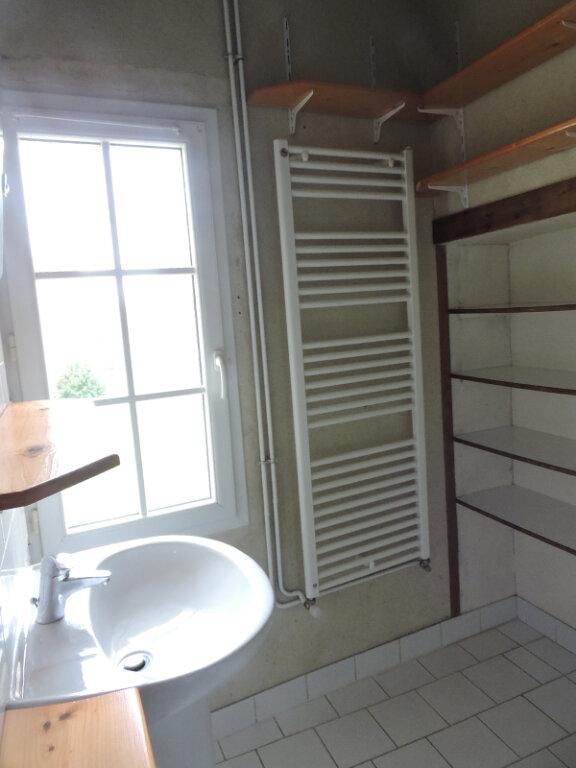 Appartement à louer 2 63m2 à Émiéville vignette-5