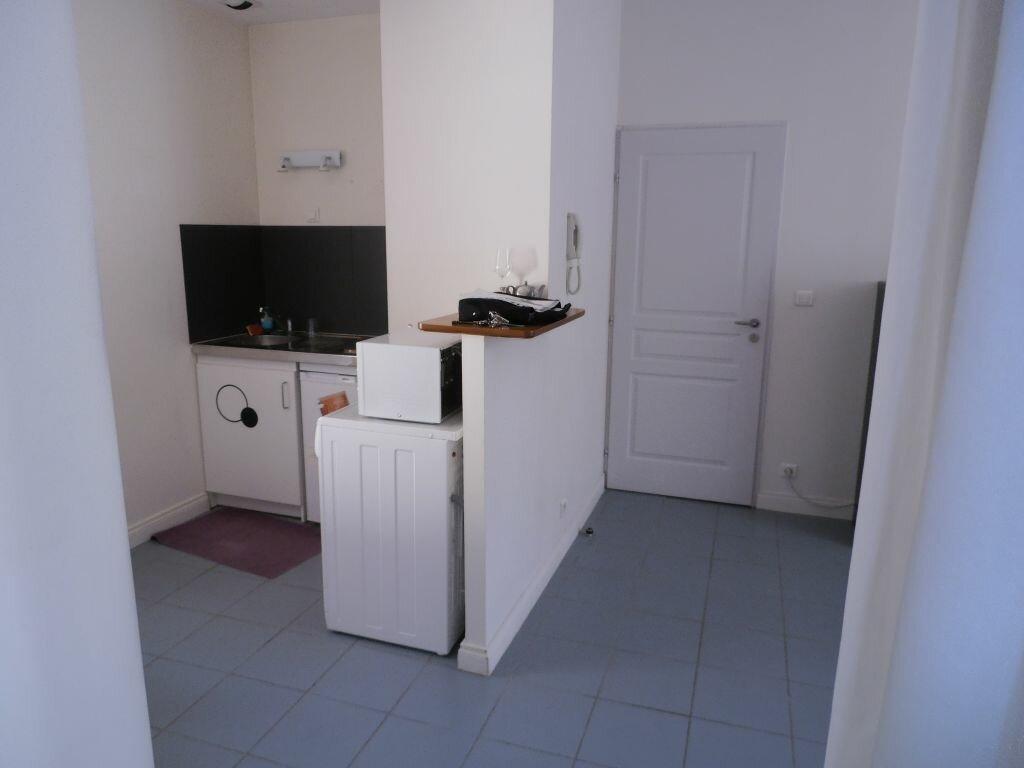 Appartement à louer 2 47.3m2 à Tours vignette-6