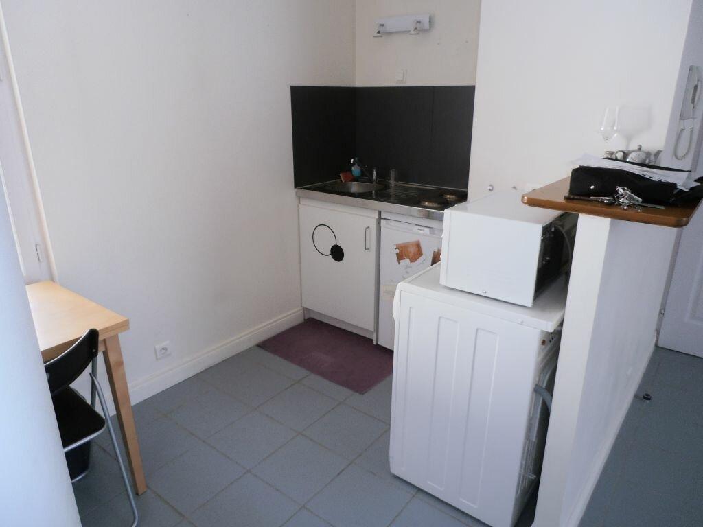Appartement à louer 2 47.3m2 à Tours vignette-7