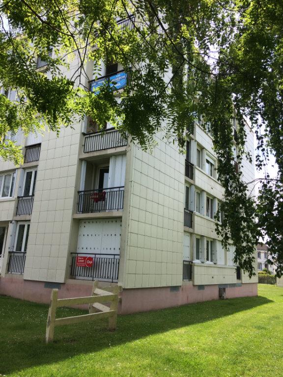 Appartement à louer 3 57.41m2 à Tours vignette-2