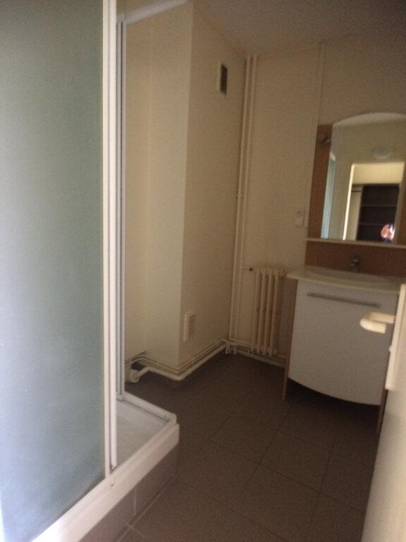 Appartement à louer 3 57.41m2 à Tours vignette-6