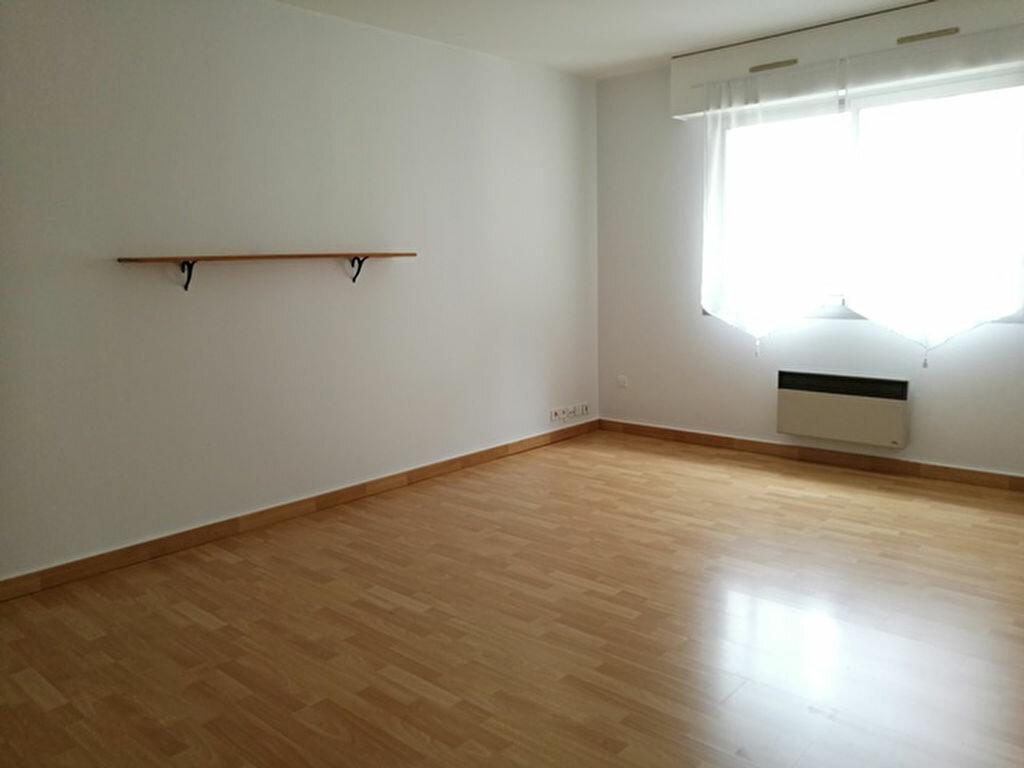 Appartement à louer 1 31.91m2 à Tours vignette-3