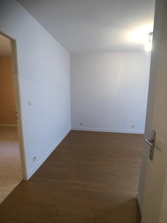 Appartement à louer 3 44.46m2 à Tours vignette-4