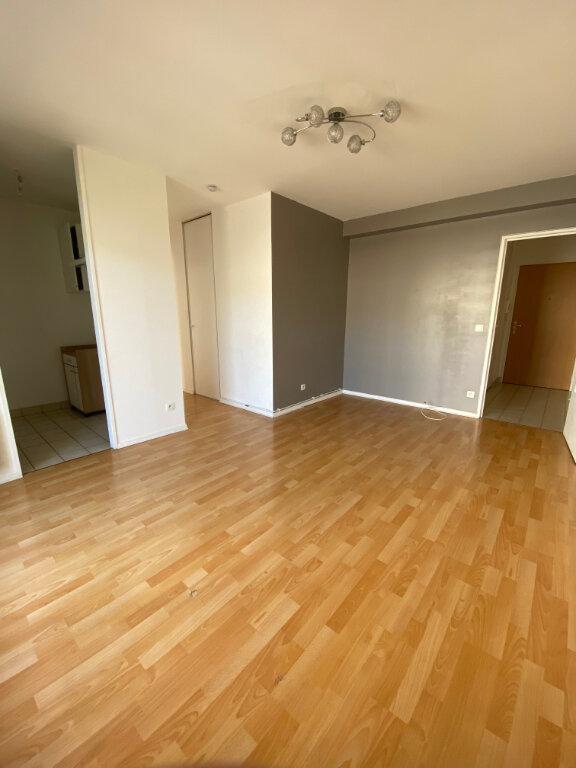 Appartement à louer 2 39.1m2 à Tours vignette-1