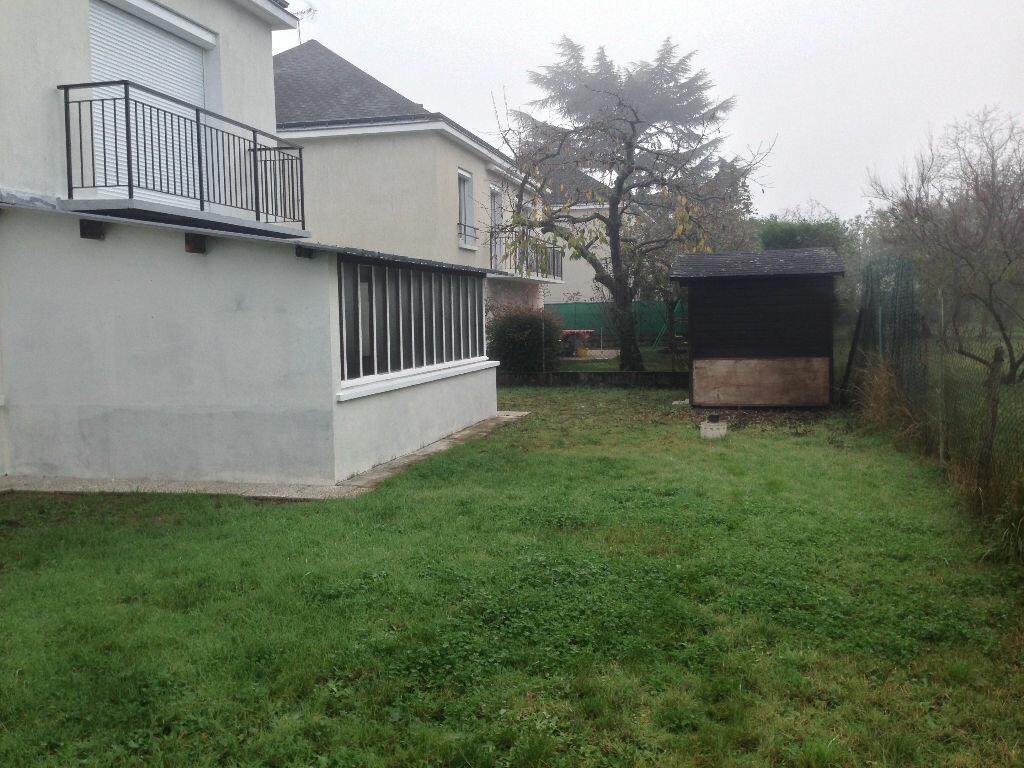 Maison à louer 5 109.79m2 à Saint-Pierre-des-Corps vignette-2