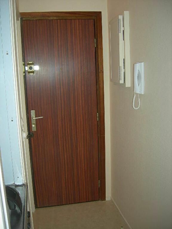 Appartement à louer 1 15.75m2 à Tours vignette-6