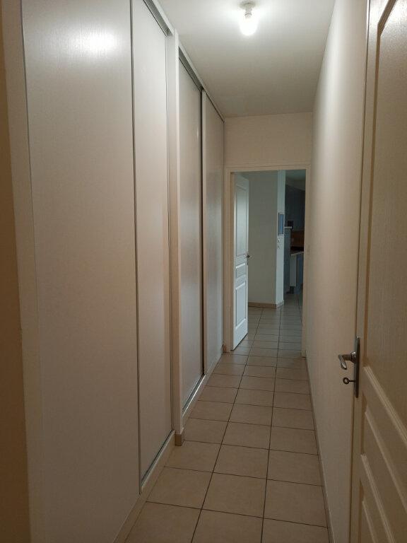 Appartement à louer 2 56.1m2 à Tours vignette-9
