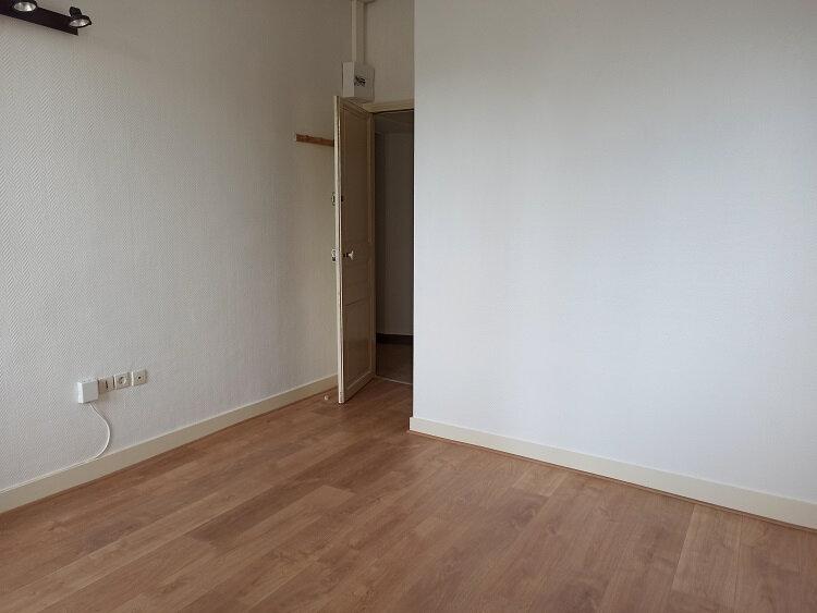 Appartement à louer 1 18.3m2 à Tours vignette-3