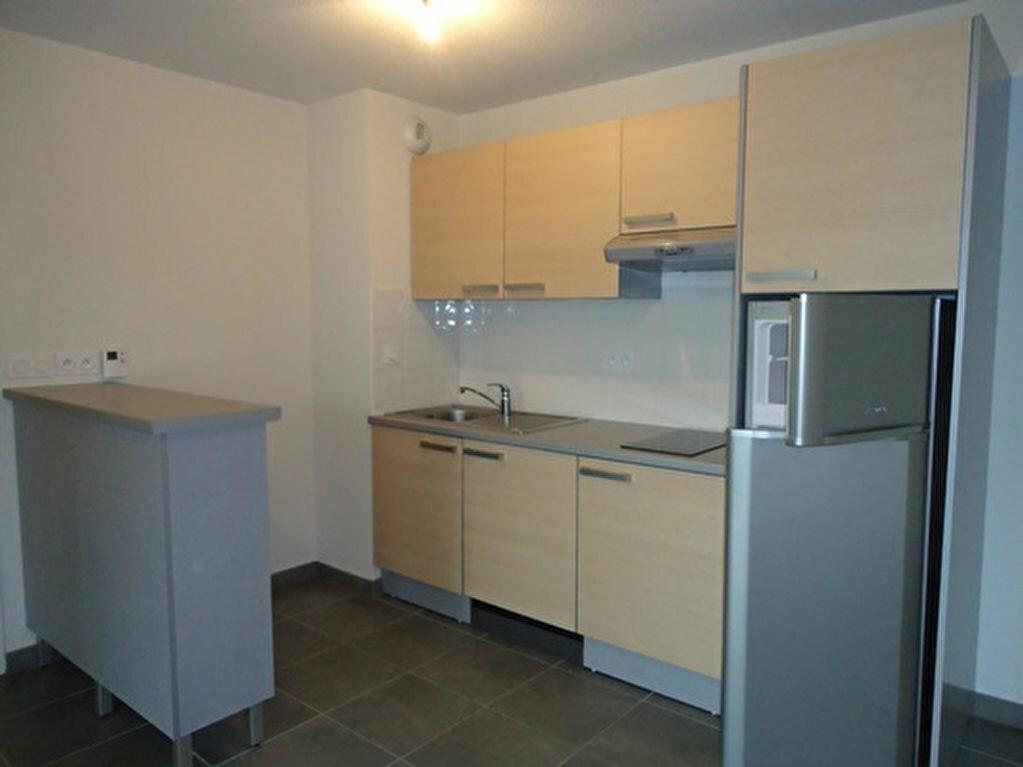 Appartement à louer 3 62.2m2 à Tours vignette-2