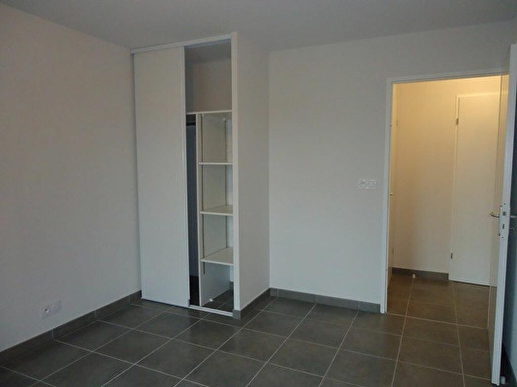 Appartement à louer 3 62.2m2 à Tours vignette-4