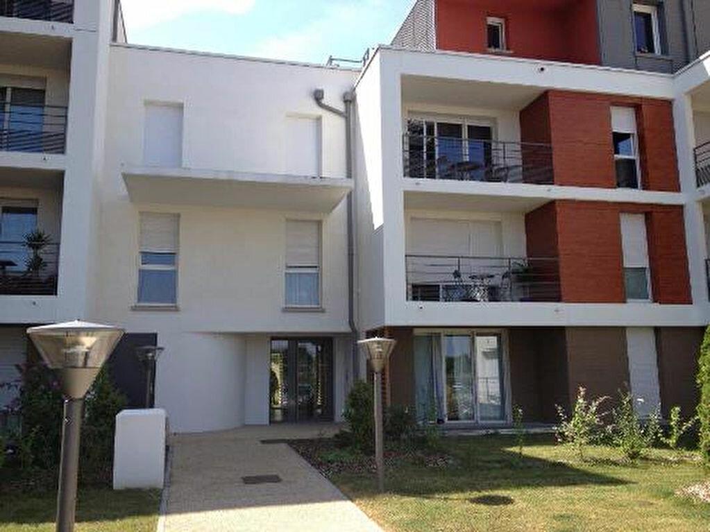 Appartement à louer 3 62.2m2 à Tours vignette-5