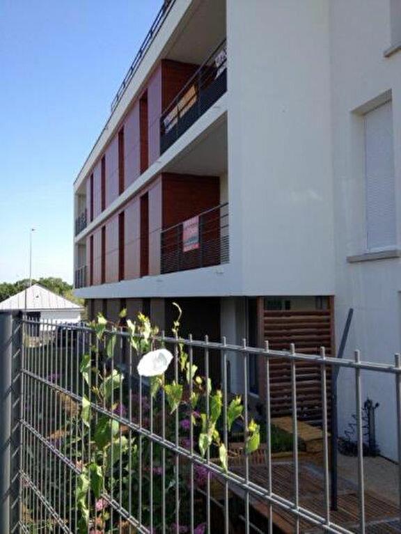 Appartement à louer 3 62.2m2 à Tours vignette-6