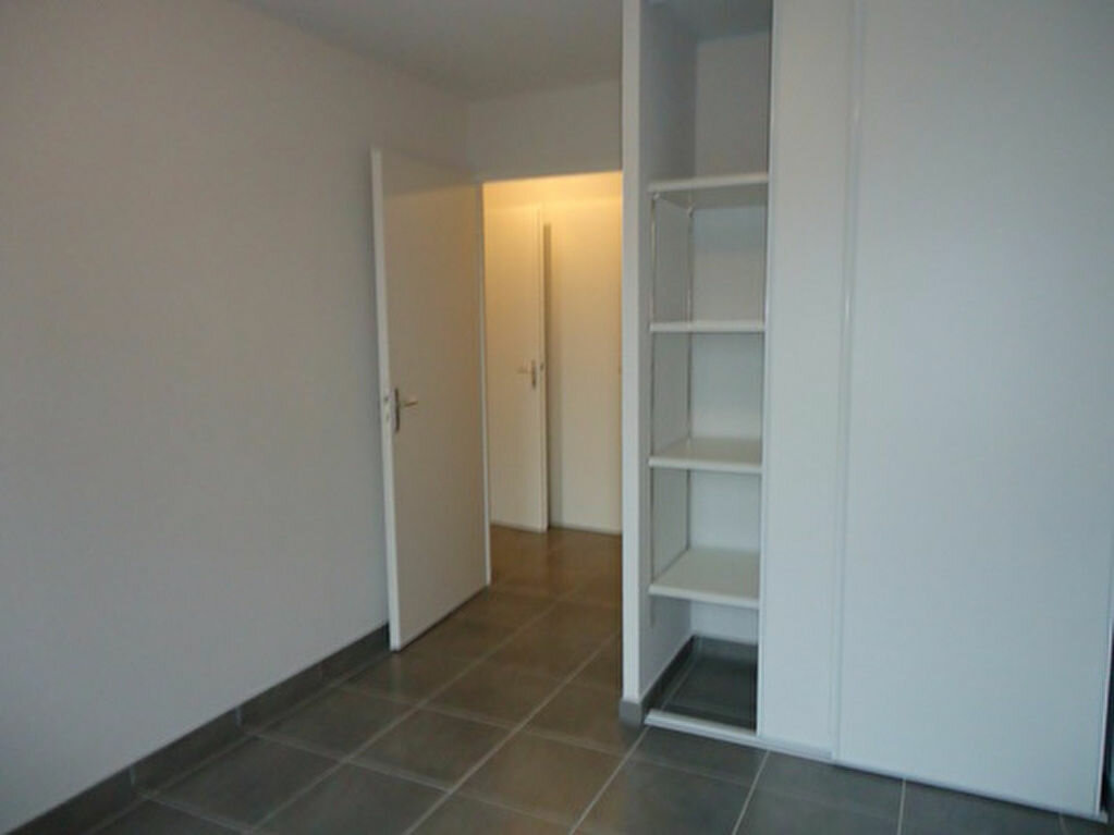 Appartement à louer 3 62.2m2 à Tours vignette-7
