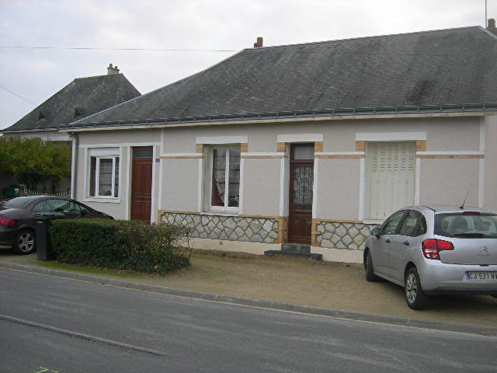 Maison à louer 3 79.85m2 à Hommes vignette-3