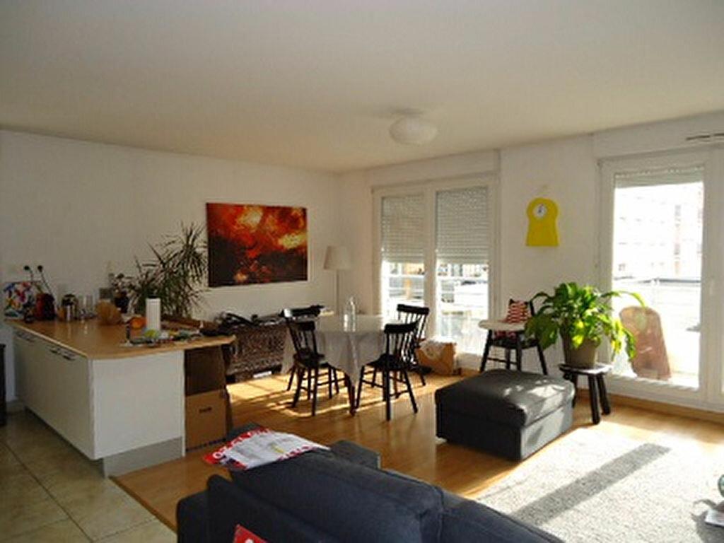 Appartement à louer 4 82.01m2 à Tours vignette-1
