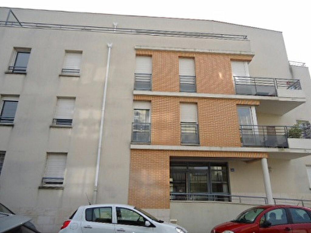 Appartement à louer 4 82.01m2 à Tours vignette-2