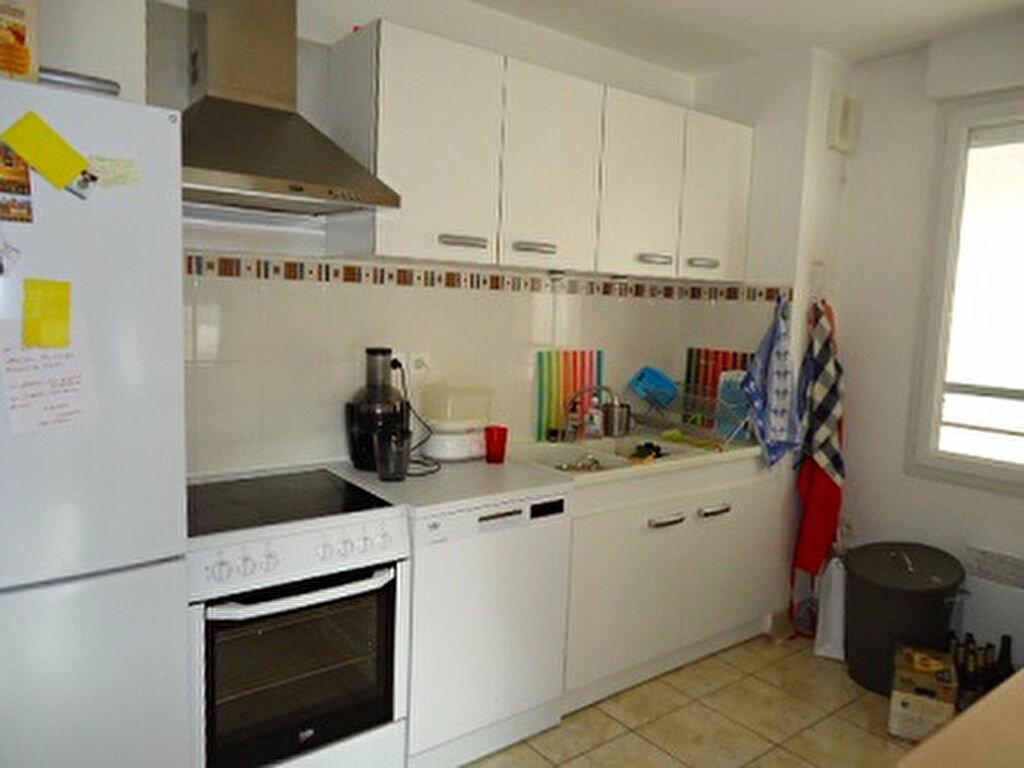 Appartement à louer 4 82.01m2 à Tours vignette-3